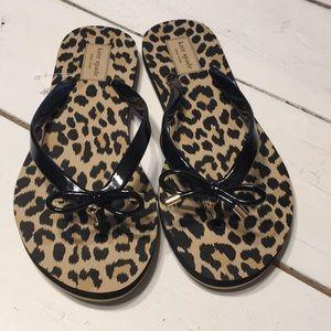 NWOT Kate Spade Nova leopard black gold flip flops